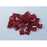 Ruby-Square: 3.5mm - 4.0mm